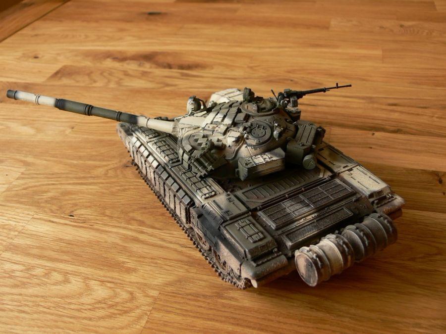 модельки танков т-72 и т-80 1:43 знак преклоненья